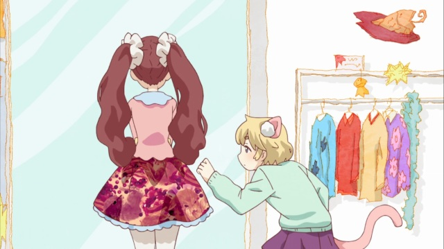 Kotoko sneaking up on Mari