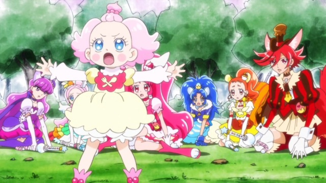 Pekorin protects PreCure
