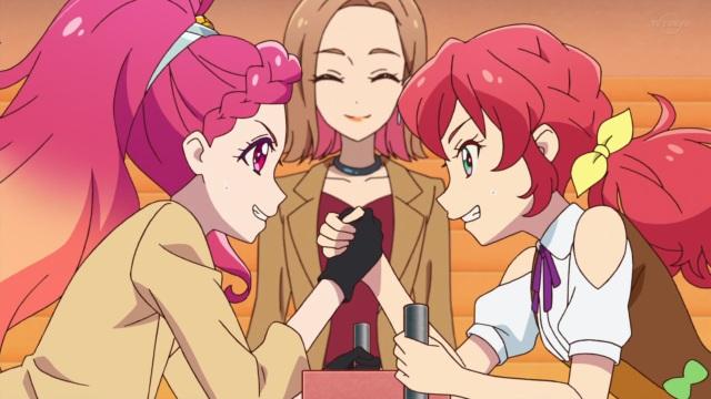 Hibiki and Mirai arm wrestle