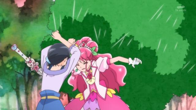 Cure Grace protects Chiyu