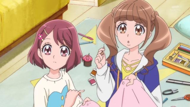 Nodoka and Hinata sewing