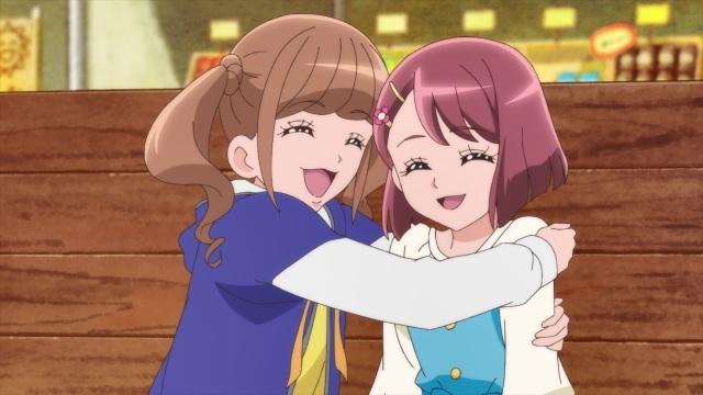 Hinata hugs Nodoka