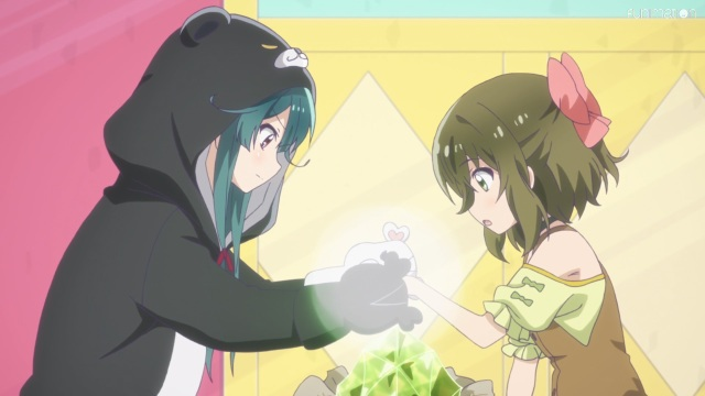 Yuna heals Fina's hand
