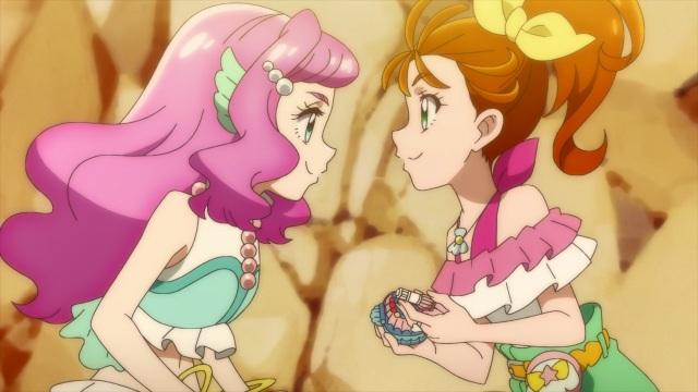 Laura & Manatsu